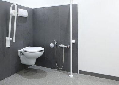 disabled-access-bathrooms-07