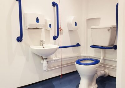 disabled-access-bathrooms-08